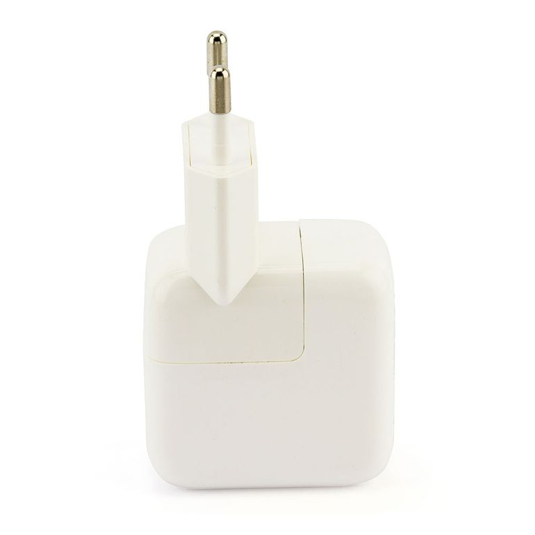 6836-Carregador-USB-para-iPad-iPhone-e-iPod-na-tomada-Cirilo-Cabos-2